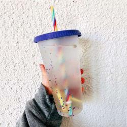 Exclusivo diseño Multicolor cambiar el plástico de la Copa de paja de los estudiantes una botella de agua fría bebidas decoloración de la taza con el paquete de verificación