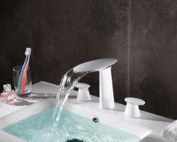 Colpetto di miscelatore sanitario popolare prefabbricato del rubinetto del bacino della toletta della stanza da bagno degli articoli della Cina 01A407wg