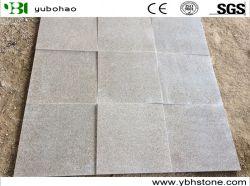 Il granito poco costoso fiammeggiato di G681 Cina ha fiammeggiato le mattonelle di pavimento