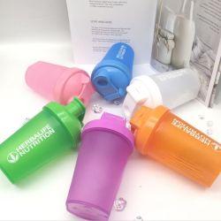 400ml卵白のプラスチック振動のコップまたは練習および適性水ガラスまたはプラスチックびんか携帯用運送ロープ屋外学生のコップ
