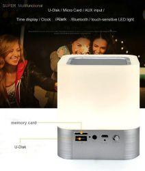 Portable 4 en 1 altavoz Bluetooth inalámbrico con sensor táctil de la luz de lámpara LED Reloj alarma la tarjeta del TF Aux llamadas manos libres reproductor de MP3.