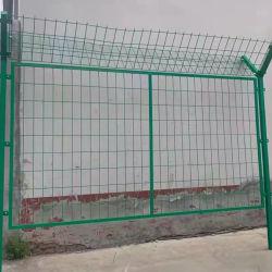 سور الأسلاك الملحوم البلاستيكي الجدار الأمني للجدار العازل