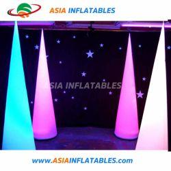 2,4 m Opblaasbare lichtkegel voor trouwdecoratie, Infltable Lighting Tusk