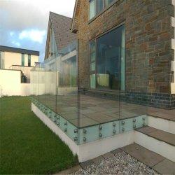 Asta della ringhiera di vetro delle scale di disegno del lato del supporto del contrappeso elegante dell'acciaio inossidabile