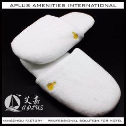 De dikkere Enige Witte Pantoffel van het Hotel van het Borduurwerk van het Fluweel