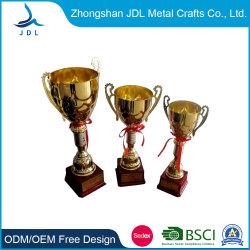Liga de zinco personalizada OEM Gold Award Cup Troféu Prêmio Medalha de artesanato de metal para decoração (017)
