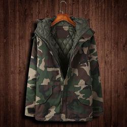 屋外のフードの置換の極度の軽い冬のアヒルのポルノグラフィーのParkaのジャケットは人に塗る