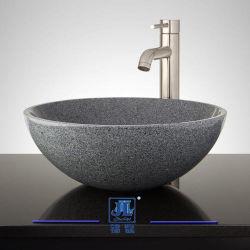 يصقل صوّان رخام حجارة [وش بسن] لأنّ مطبخ/غرفة حمّام/مرحاض