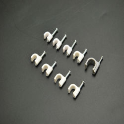丸型白 / 黒ケーブルクリップ、 5 mm ~ 12 mm 、固定金具付き