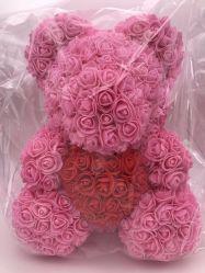 De in het groot Teddybeer van de Gift van de Verjaardag van het Huwelijk met Rozen aan haar