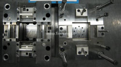 Custom Moulage par injection plastique moule les pièces du moule pour les contrôleurs de création de lot de l'électrovanne