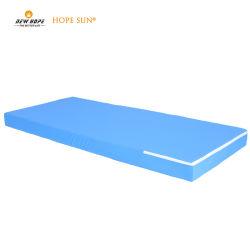 فراش السرير مع سرير تمريض من القماش الطبي المصمم هندسيًا فراش الإسفنجي للمستشفى