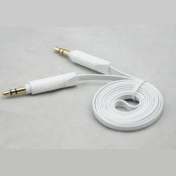 補助のケーブル・カー可聴周波ケーブル3.5mmのステレオのフラットケーブル