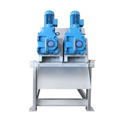 パーム油のプラントのためのネジ式沈積物の処置システム