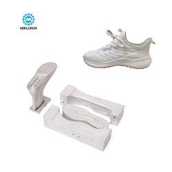 El estilo más reciente de Fujian hombres zapatos de suela de pvc automático de la TPR inyectar la planta de producción de moldes de inyección de tolerancia frío Service