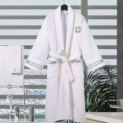El algodón Terry Waffle Hotel Albornoz en color blanco con Shawn Collar o Collar de kimono