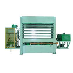 熱い出版物機械を作る豪華な合板