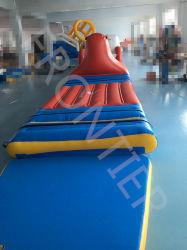 Castillo hinchable de juguete colorido Floatingiinflatable al aire libre grande parque acuático de la playa
