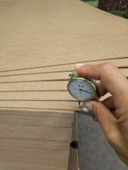 scheda di legno flessibile dello strato del MDF E1 di 2.0/2.5/2.7/3mm per mobilia