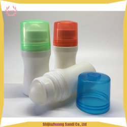 Rollo de aceite esencial de la ronda en el vaso con bola de PP