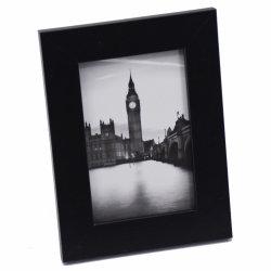 블랙 색상의 현대적인 목재 사진 프레임