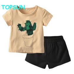 De Kleding van de jongen plaatst de Toevallige Reeks van de T-shirt en het Zwarte zuiver-Gekleurde zuiver-Katoenen van Borrels Kostuum van Kinderen
