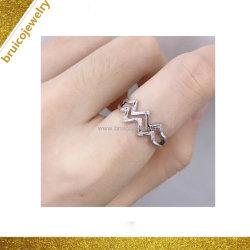 Anello di diamante unisex di stile di Hip Hop dell'anello di oro dei monili operati