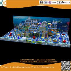 Speelplaats van de Speelplaats van de Kinderen van de Speelplaats van het Pretpark de Grote Binnen Binnen Zachte