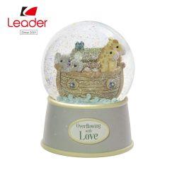 Globo animale della neve dei regali della palla di neve di vetro su ordinazione promozionale di Polyresin Snowglobe