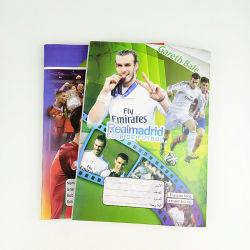 学生のフットボール選手デザインのための学校演習帳の文房具