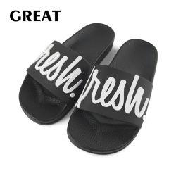 Greatshoe nueva correa de caucho hombre zapatilla en la playa de logotipo personalizado negro Sandalia de diapositiva de zapatilla de deporte