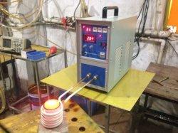 誘導コイルが付いている電気炉を溶かす1kg 4kgの銀製の金のPlutinumの携帯用小型小さい暖房