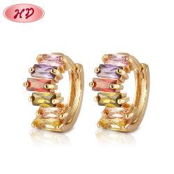 La moda 18K chapado en oro 14K Vestuario Bisutería con aro de Huggie CZ Pearl earring para mujeres