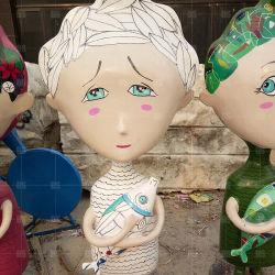 La fibre de verre artificiel de décoration de l'artisanat Cartoon sculptures magnifiques poupées