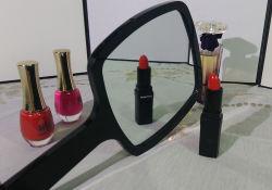 Señoras negro espejo Vintage maquillaje Mano