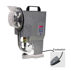 Automatische dekzeil Banner oogje doorvoertule Punching Snap Press Buttonhole Puncher Machine