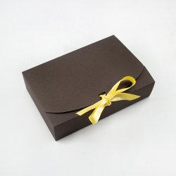 El lujo de alta calidad Cadeau Boite a embalajes de cartón rígido de papel plegado magnético vestido de boda Caja de regalo con el cierre de cinta