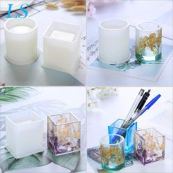 人のための明確な液体のガラスエポキシ樹脂はこはく色の宝石類のビードに水晶Craftwork型をした