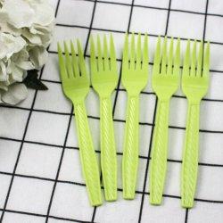Talheres descartáveis coloridos definir os garfos de plástico descartáveis para jantar