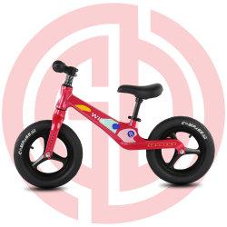 Rojo dos Wheeler a balancear el equilibrio de los niños de bicicletas Bike
