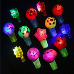 Jusqu'à sifflet lumineuse à LED Colliers jouet pour enfants
