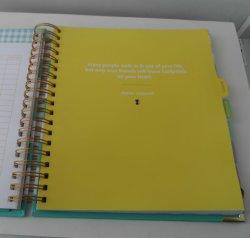 풀 컬러 페이지 인쇄를 가진 두꺼운 표지의 책을 사용해 신부를 위한 고품질 결혼식 계획자 앨범 기능 예정표