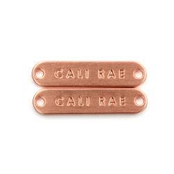 新しいスタイルのカスタム高品質金属アクセサリ縫製メタルラベル ハンドバッグ用の衣類用金属ラベル