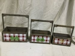 正方形パターン手持ち型の木箱が付いている木のクリスマスツリー