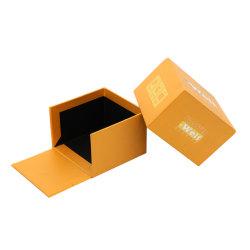 صندوق تعبئة ورق بطاقات مخصص علوي وقاعدة مزود بالذهب صندوق هدايا لشعار رقاقة معدنية