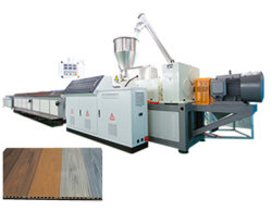 Schlüsselfertiger WPC Decking, der Maschine Using das 70% Holz und 30% den überschüssigen Plastik herstellt