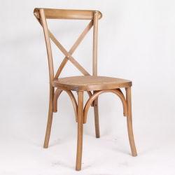 Color marrón apilables de Madera de Haya silla de jardín de atrás de la cruz