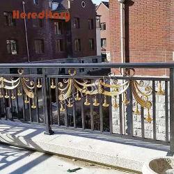 Villa die met 304 wordt verfraaid # het Gesneden Traliewerk van het Balkon van het Roestvrij staal