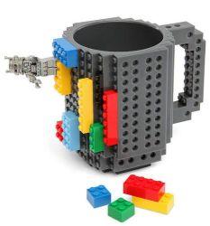 Mug en plastique à motif briques et briques de construction