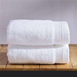白の100%年の綿によって刺繍されるホテルの浴室タオル